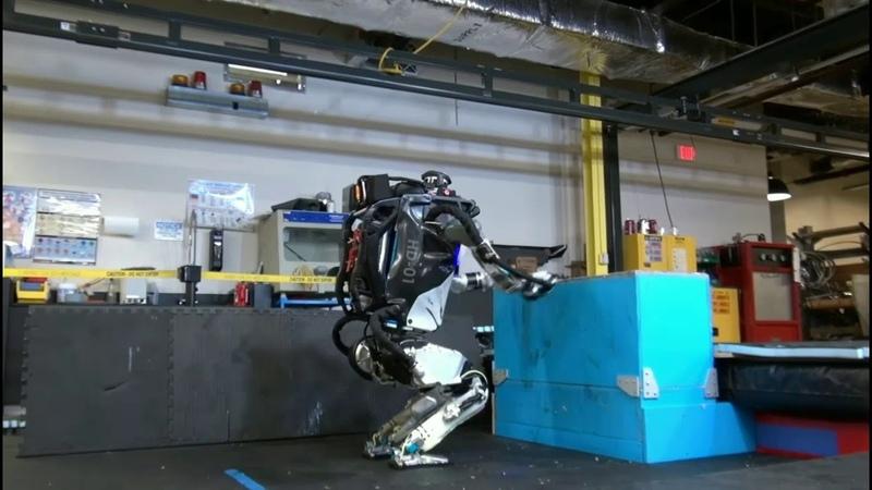 Человекоподобный робот Atlas учится паркуру и что он умеет!