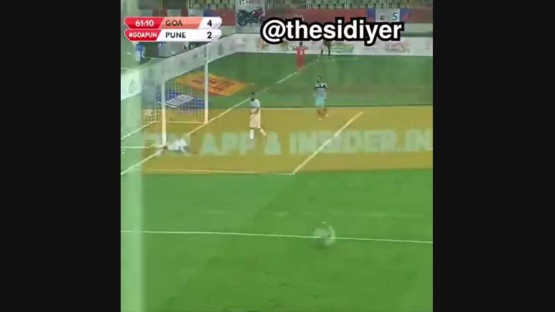 Hahahaha Indian football commentator..