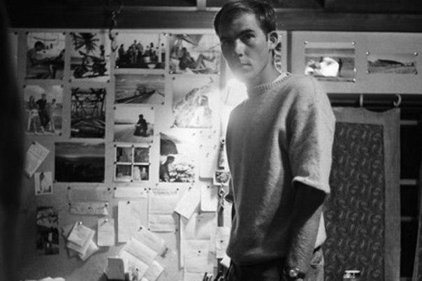"""На фотографии запечатлен доктор Джеймс Роджерс. В 1965 году он был приговорен к казни на электрическом стуле за так называемый """"массачусетский эксперимент"""", однако за два дня до казни будучи в камере он покончил с собой, отравившись цианидом калия, ампулу"""