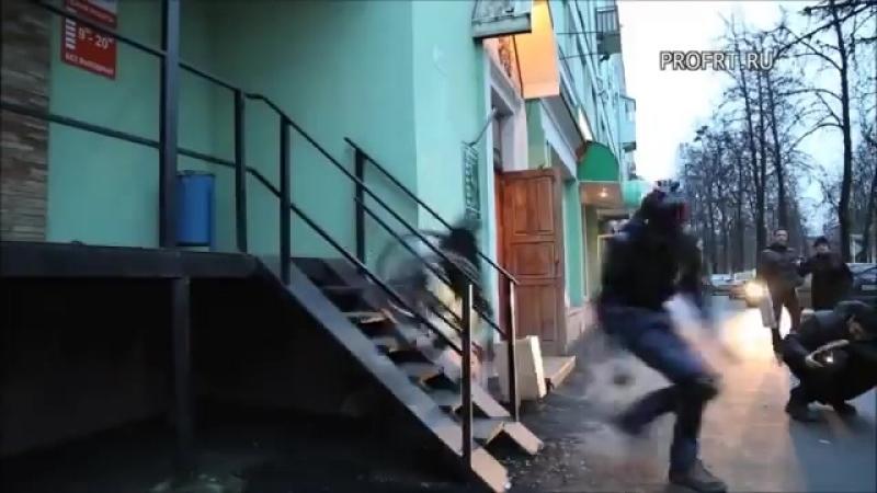 Экстремалы испытывают пандусы для инвалидов