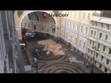 В Питере со здания штаба на Большой Морской непогода снесла крышу на людей
