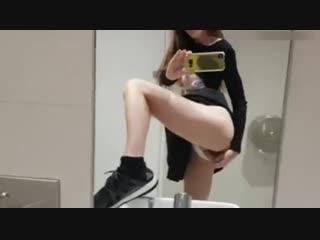 Quickie_in_public_restroom