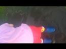 Есения бегает по луже