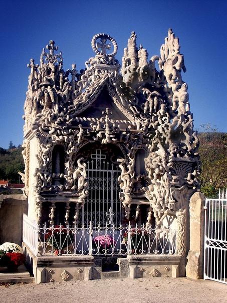 Дворец французского почтальона