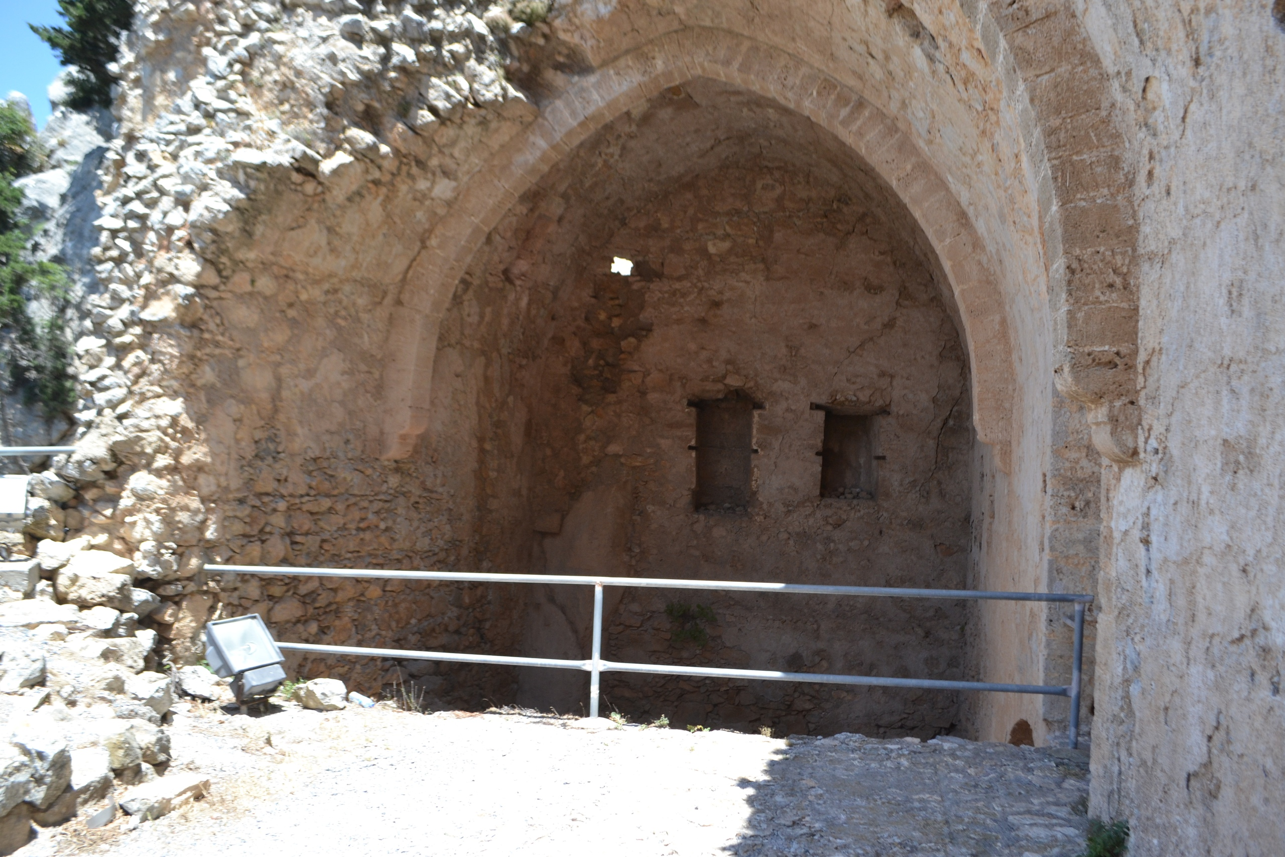 Северный Кипр. Замок Святого Иллариона. (фото). - Страница 3 ONpqimVkjuU