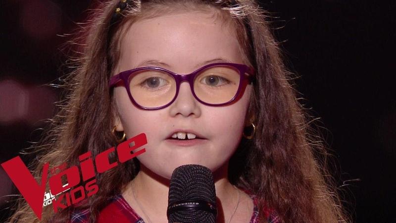 Serge Lama - Je suis malade   Emma   The Voice Kids France 2018   Blind Audition