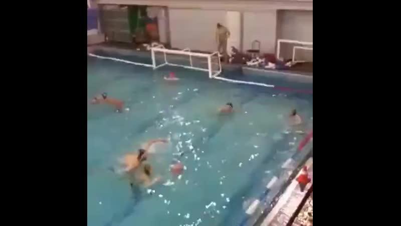 Trener_povzdoril_so_sportsmenom-spcs.me.mp4