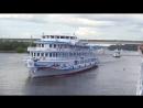 Теплоходы Н А Некрасов и Лебединое Озеро приветствуют друг друга на КиМе 7 июля 2018