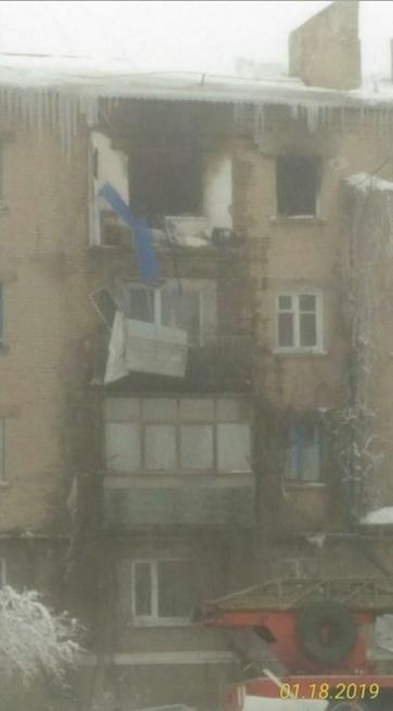 В ОРДЛО мощный взрыв разорвал многоэтажку, есть жертвы (фото)