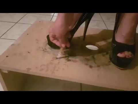 I crush shoes high heels a cigarette on a table fetishism !