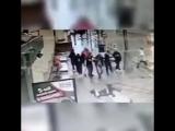 Появился видос того, как Кокорин, Мамаев и их компания избивают на улице мужика - - Кстати