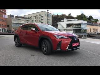 Маленький Лёха. Lexus UX Тест Драйв и Обзор