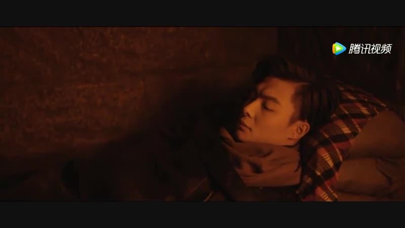 《沙海》张日山假装睡着了,其实在偷偷看梁湾!