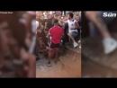 Английские фанаты устроили жестокую драку, во время просмотра матча