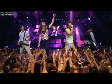 This Is Me - Dami Lovato e jonas Brothers 3D Concert Experience[Song Edited]