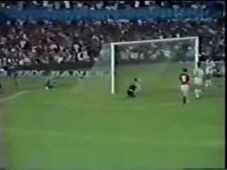 Flamengo 3 x 0 Atletico-PR - Brasileiro 1983 - Sem(360P).mp4