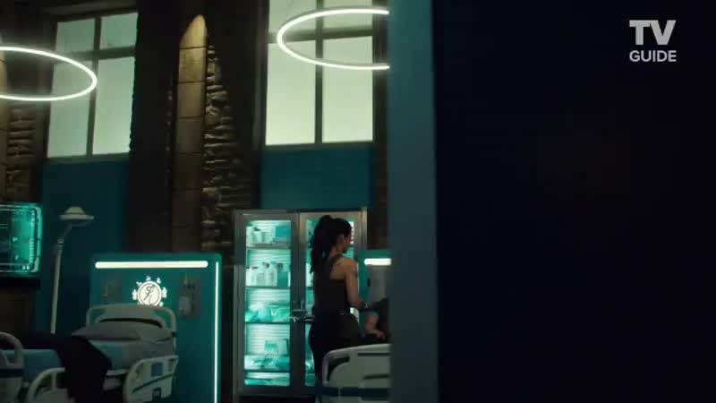 VIDEO Shadowhunters Secrets From Set @EmeraudeToubia and @arosende talk about Sizzy