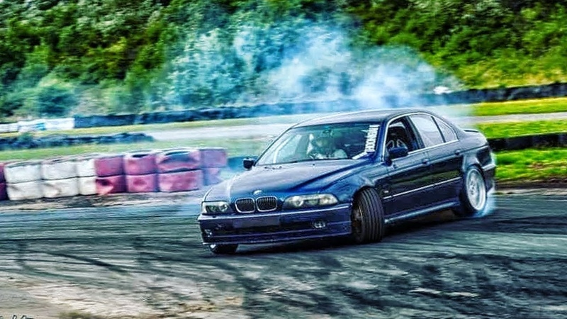 Best of BMW E39 - BURNOUT, DRIFT, REVS!