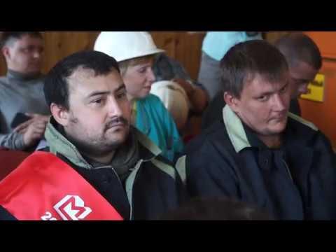 На Надеждинском металлургическом заводе выбрали лучшего резчика металлолома им стал Максим Ломаев