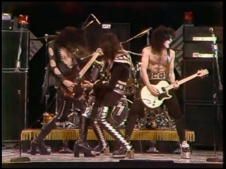KISS - Black Diamond - 1975 promo (High Quality) ( 480 X 654 ).mp4