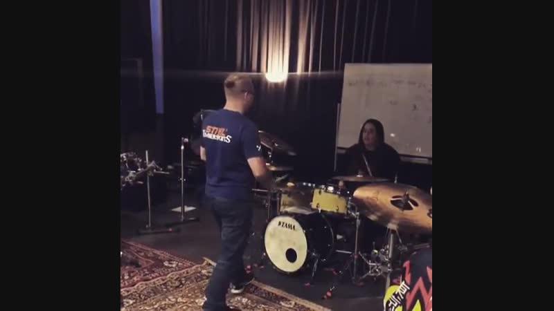 Gustav Schäfer Workshop: Drums BBQ - 01.12.2018