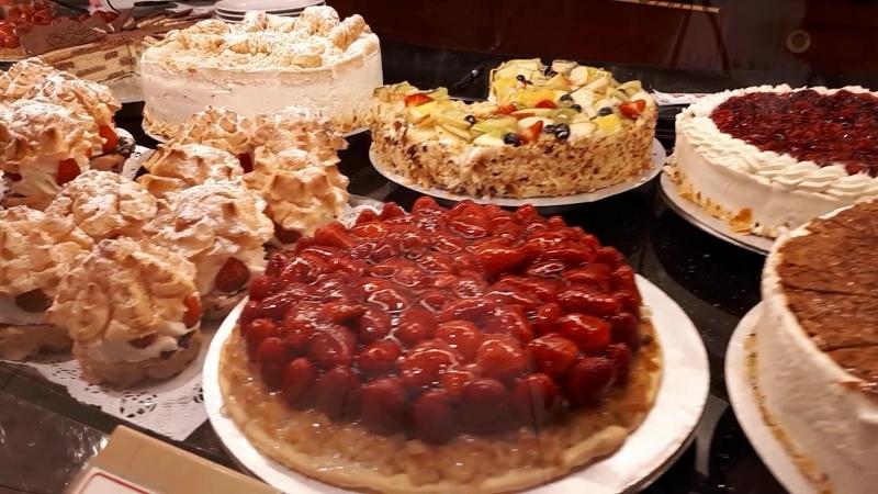 Вкусняшки Германии Немцы вообще мастера во всем Молодцы Мимо тортиков пройти не смогла