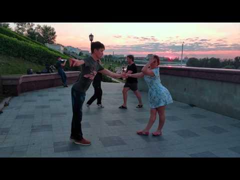 Street dance. Hustle. Summer evening in Tyumen.