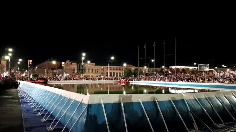 Вечернее пиротехническое шоу «Летающих людей» на площади Ленина в г. Туле🎆