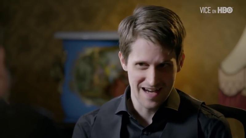 VICE | Эдвард Сноуден показывает как защититься от прослушки