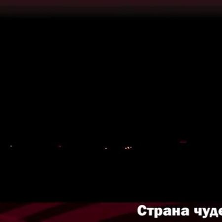 """САЛЮТЫ КАЗАНЬ ОПТОМ РОЗНИЦА on Instagram: """"Страна чудес.48 залпов , калибр 0,8. 4 эффекта. Разноцветные кометы 💫 разрываются сферами из : 1. Крас..."""