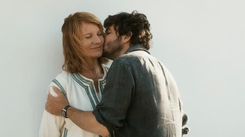Ты будешь чтить свою мать и свою мать/Tu honoreras ta mere et ta mere (2012)