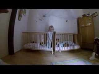 Родители Поставили Скрытую Камеру В Комнате Близнецов И Не Прогадали.