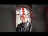 Александр Ревва в маске болельщика сборной Англии