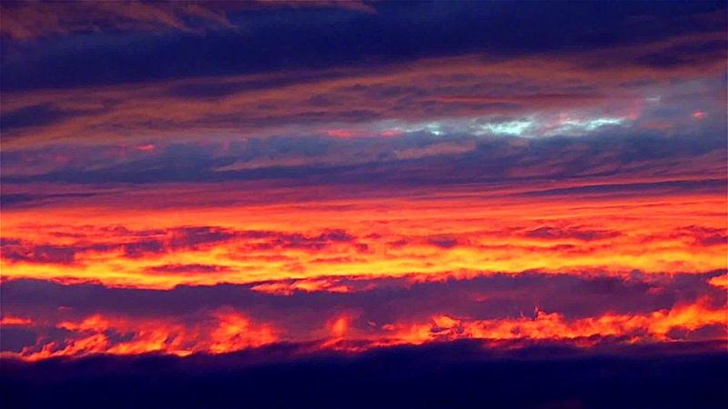 Красное Небо. Красивое Красное Небо на Закате. Красное Вечернее Небо. Футажи для видеомонтажа