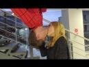 ПРАНК СЕКСУАЛЬНЫЙ ПОЦЕЛУЙ ЧЕЛОВЕКА-ПАУКА. PRANK SEXY KISS OF A SPIDER-MAN