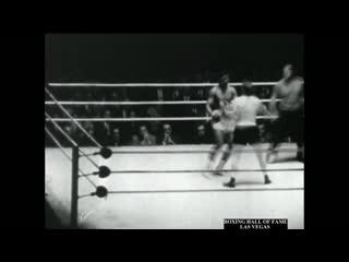 Cassius Clay (19 Years Old) KOs LaMar Clark - April 19, 1961