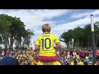 Проход шведских болельщиков в Самаре перед четвертьфиналом с Англией