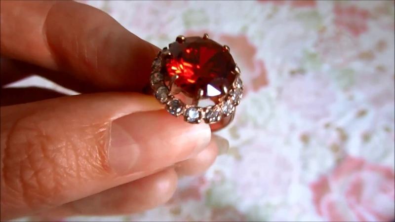 Кольцо Красный Фианит