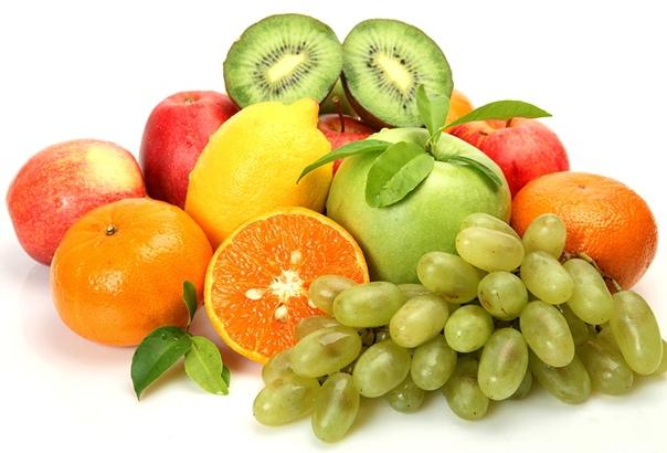 Разница между фруктами и овощами В повседневной жизни каждый человек использует для приготовления пищи фрукты и овощи, не задумываясь о том, есть ли между ними какие-либо принципиальные различия