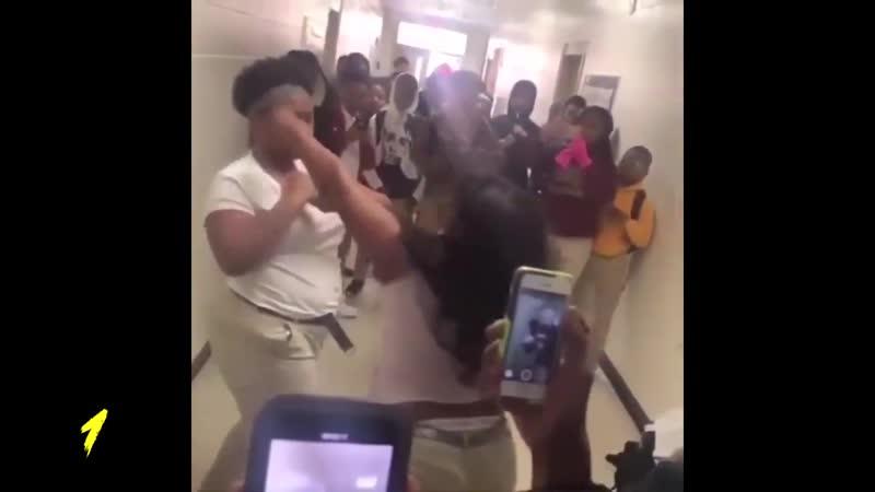 Учитель против учеников MMA и UFC Разборки бои драки на улице