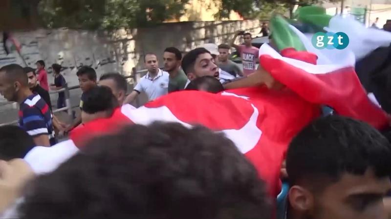 Тело палестинского шахида накрыли турецким флагом