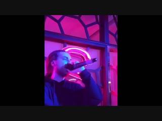 Хозяйка кафе где умер Децл, показала видео с последним выступлением рэпера