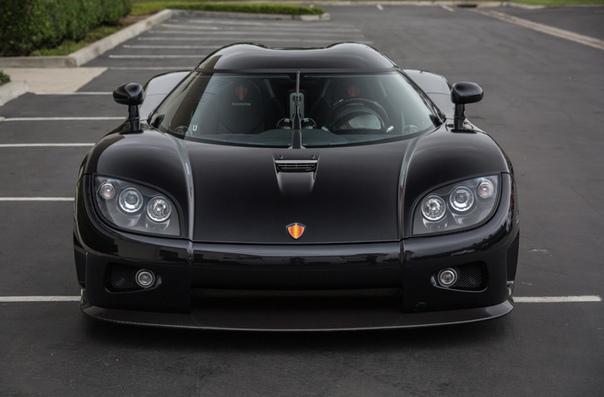 Очень редкие:oenigsegg CCX Двигатель: 4.7 V8 Twin-SuperchargerМощность: 817 л.с. при 7000 об/минКрутящий момент: 920 Нм при 5500 об/минТрансмиссия: Секвентальная 6 ступ. Макс. скорость: 395,