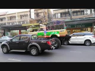 Pattaya hollywood car