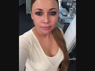 Экс-солистке группы «Краски» изуродовавал лицо ее косметолог