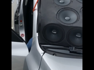 Mazda 3 Team Pride Audiomaster раздаёт на площадке DbDrag Казань.