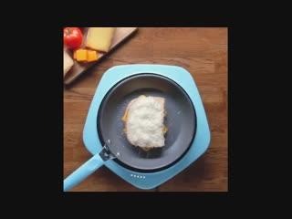 Гренка с яйцом и сыром uhtyrf c zqwjv b cshjv