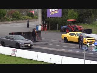 Dodge Demon против Dodge Charger SRT