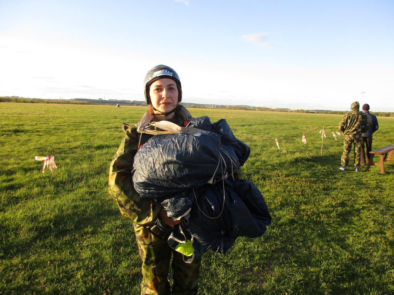 Девушка с парашютом, Чайковский, 2018 год