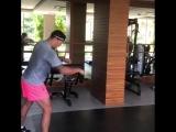 Александр Усик во время отдыха в Турции  поддерживает свою спортивную форму